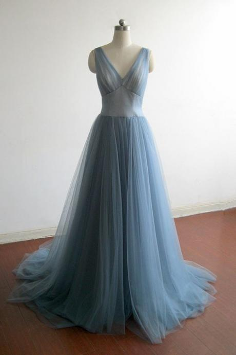Elegant blue tulle prom dress, v-neck prom dress, ball gown